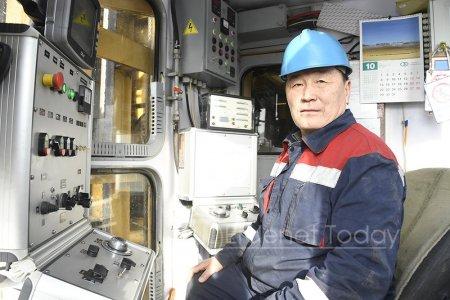 А.ДАМДИНДОРЖ: Би гурван шинэ өрөм угсарсан