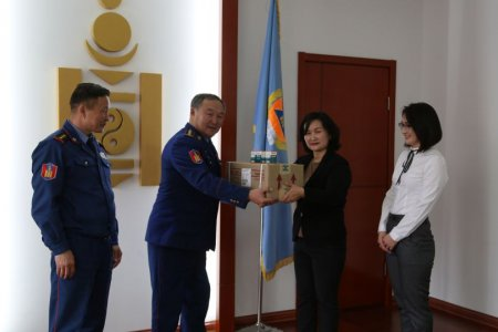 Tsakhiur Tumur LLC donated 3 million MNT worth of medicines to the National Emergency Management Agency.
