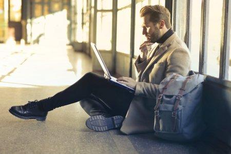 Ажилтан бүтээмжтэй ажиллахад юу нөлөөлдөг вэ?