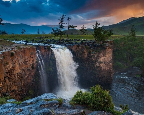 モンゴルの大自然に触れる散策の旅(7日間)