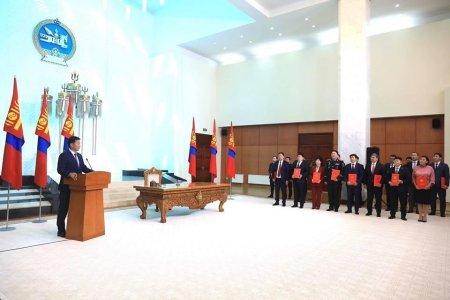 Монгол Улсын Ерөнхий сайд У.Хүрэлсүх Засгийн газраа эмхлэн байгууллаа