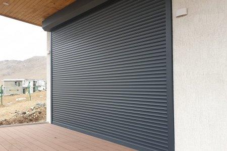 Цонх хаалганы автомат болон гар ажиллагаатай хамгаалалтын хаалт   Зуслангийн цонх. гадна хаалга . Лангуу .гражны хаалга гээд бүх төрлөөр ашиглах боломжтой  www.khaanhushig.mn  www.hushig.mn