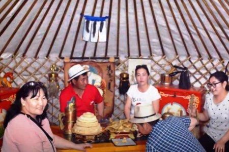 Өвөрмонголын Шилийн гол аймагт монгол малчид зочлов