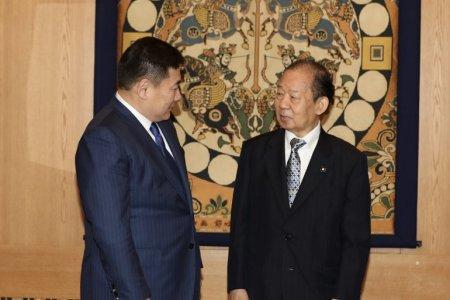 Ерөнхий сайд Л.Оюун-Эрдэнэ Япон улсын эрх баригч Либерал ардчилсан намын ерөнхий нарийн бичгийн дарга Т.Никай, Японы парламент дахь Япон, Монголын Найрамдлын бүлгийн дарга  М.Хаяши болон парламентын залуу гишүүдтэй уулзав