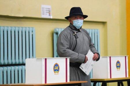 Монгол Улсын Ерөнхийлөгч Х.Баттулга УИХ-ын 2020 оны ээлжит сонгуульд саналаа өглөө