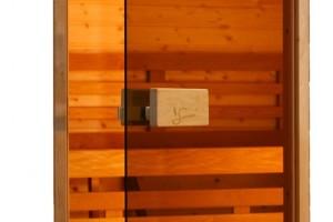 сауны ганжуулсан шилэн хаалга