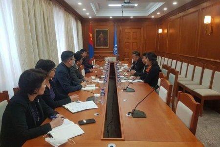 """""""Замын-Үүд"""" чөлөөт бүсийн Захирагчийн ажлын албаны төлөөлөл Монголбанкны удирдлагуудтай уулзлаа"""