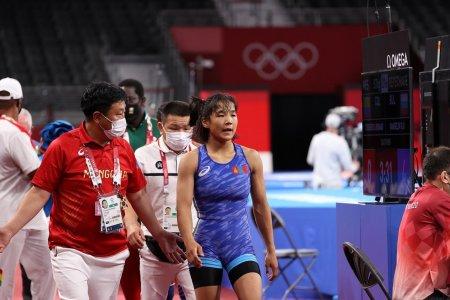Б.Хонгорзул хүрэл медалийн төлөө олимпын аваргатай барилдана
