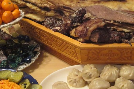 Mongolian traditional food