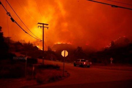 Калифорнийн түймэр гамшгийн хэмжээнд хүрлээ