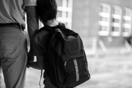 51-р сургууль аутизмтай сурагчаа гадуурхан, цаашид сургахгүй гэжээ