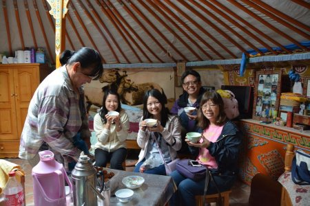 Stay with Nomadic family