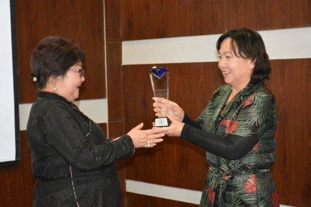 Монголтакс ТМЗ ХХК-ийн үүсгэн байгуулагч Х.Тунгалагмаа ТМЗ нийгэмлэгийн Удирдах зөвлөлийн нэрэмжит шагналаар шагнагдлаа