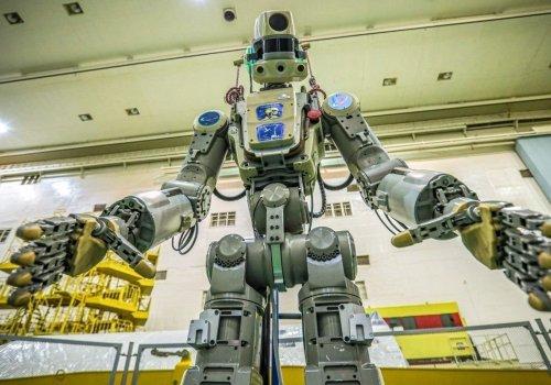 Орос улс анхны хүн дүрст роботоо сансарт хөөргөлөө