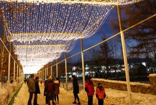 LIGHT STREET DAZZLES IN ERDENET CITY