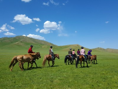 8 DAYS OF HORSE RIDING TOUR
