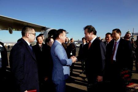 БНСУ-ын Ерөнхий сайд Ли Наг Ён-ыг өнөө өглөө үдэж мордууллаа