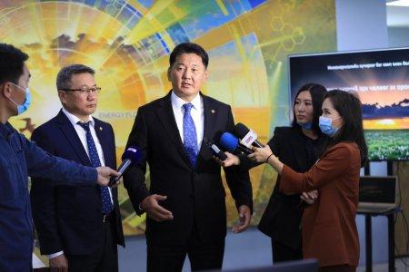 """Ерөнхий сайд У.Хүрэлсүх """"Монгол газрын тос боловсруулах үйлдвэр"""" компанид ажиллав"""