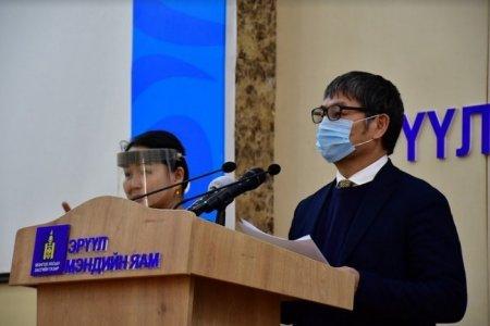 Д.Нямхүү: Нурсултан-Улаанбаатарын онгоцоор ирсэн нэг хүний 3 дахь шинжилгээгээр коронавирус илэрлээ