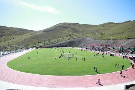 Чингэлтэй дүүрэгт дэлхийн стандартад нийцсэн хөнгөн атлетик, хөлбөмбөгийн талбайн нээлт боллоо