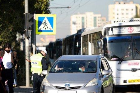 Автобусны буудал дээрх машины мэдээллийг E-police аппликэйшнд илгээгээрэй
