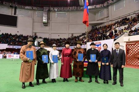 """Ерөнхийлөгч Х.Баттулга """"Монгол баатарлаг туульсаа дээдлэн дэлгэрүүлэх тухай"""" зарлиг гаргав"""