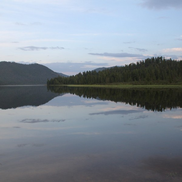 Khagiin khar Lake
