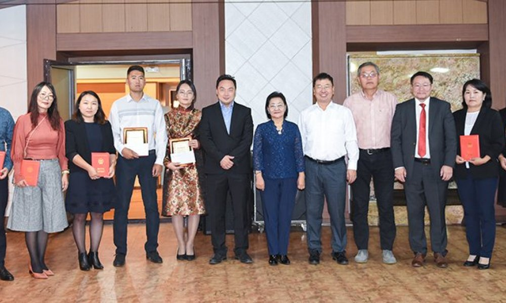 Mandakh University celebrates the International and Mongolian Teacher's day