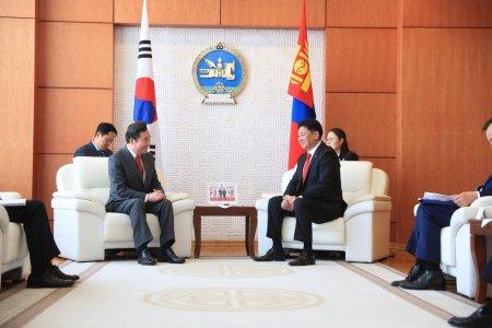 Солонгос улс руу Визгүй зорчих асуудлыг судалж,шийдвэртэй ажиллахаа БНСУ-ын Ерөнхий сайд амлав