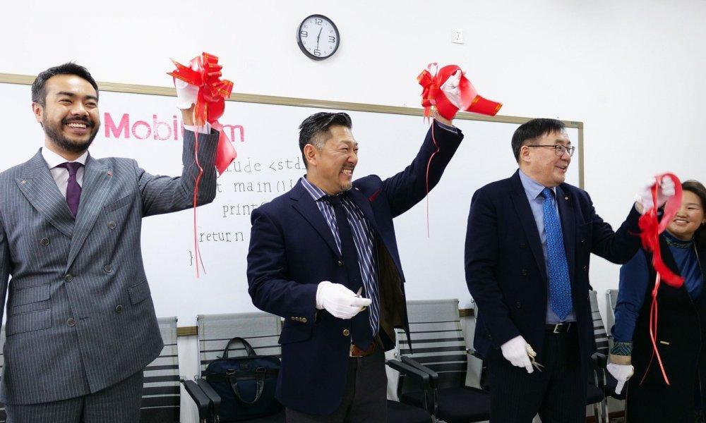 Шинэ Монгол Эрдмийн Хүрээлэнтэй хамтарсан лабораторийн нээлт боллоо