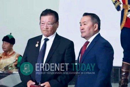 Д.Адъяа инженер Монгол Улсын Аж үйлдвэрийн гавьяат ажилтан боллоо