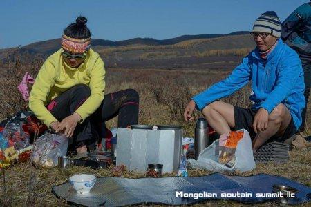 Trekking trip to Khagiin Khar Lake