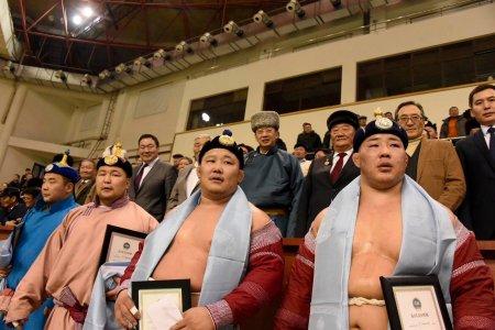 Үндсэн хуулийн өдөрт зориулсан хүчит 256 бөхийн барилдаанд Монгол Улсын харцага О.Хангай түрүүллээ