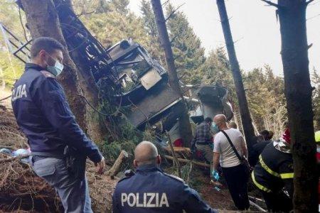 Итали улсад агаарын дүүжин тээврийн бүхээг унаж, 14 хүн амиа алджээ