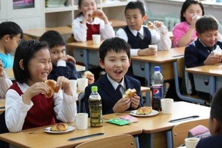 Бага ангийн сурагчид үдийн цай бус ҮДИЙН ХООЛ иддэг болно
