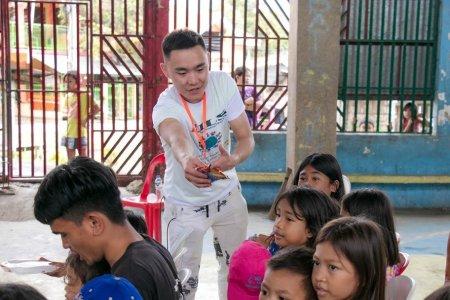 Нил сургуулийн Монгол оюутнууд сайн үйлсийн аянд оролцлоо.
