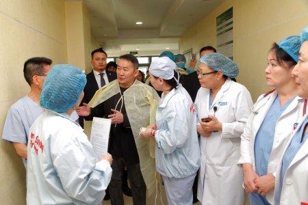 """Ерөнхийлөгч Х.Баттулга Япон Улсын """"Зүрх хамгаалах төсөл"""" ТББ-ын эмч нарт талархал илэрхийлэв"""