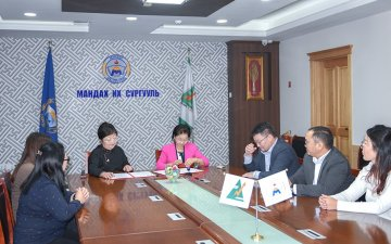 The MoU is signed for cooperation between Mandakh University and Mongoltax TMZ LLC
