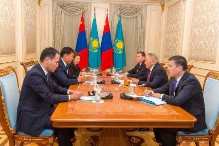 Монгол Улсын Ерөнхий сайд У.Хүрэлсүх Бүгд Найрамдах Казахстан Улсын Анхны Ерөнхийлөгч – Елбасы, Үндэсний аюулгүй байдлын зөвлөлийн дарга Н.А.Назарбаевт бараалхав