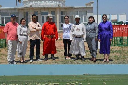 Монгол малчид Өвөрмонгол малчдын амьдрал ахуйтай танилцаж, туршлага судлав