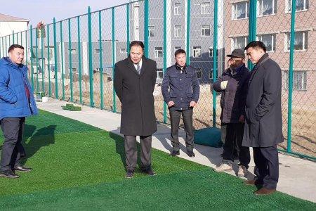 Дүүрэг бүрт хөлбөмбөгийн талбай барих ажил хэрэгжиж байна