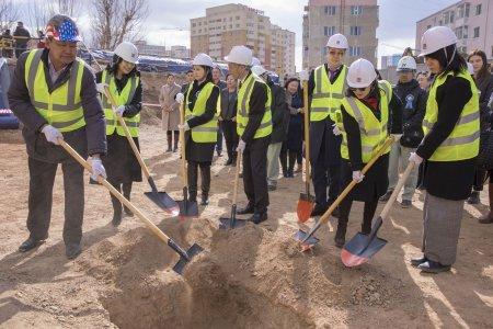 Таван хорооны ЕБС-ийн сурагчдыг гурван ээлжгүй болгох сургуулийн барилгын ажил эхэллээ