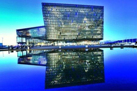 Дэлхийн шилдэг дизайнтай зургаан барилга