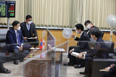 """Ерөнхий сайд Л.Оюун-Эрдэнэ Япон Улсын Эдийн засгийн сэргээн босголт """"КОВИД-19"""" цар тахалтай тэмцэх асуудал эрхэлсэн сайд Я.Нишимура болон Японы ХӨСҮТ-ийн удирдлагуудтай уулзав"""
