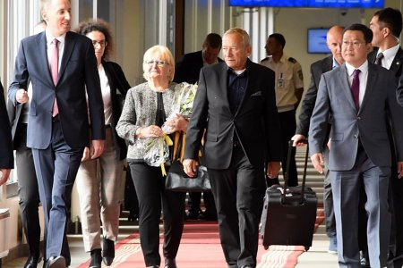 БНЧУ-ын Парламентын Сенатын танхимын Ерөнхийлөгч Ярослав Кубера тэргүүтэй төлөөлөгчид хүрэлцэн ирлээ