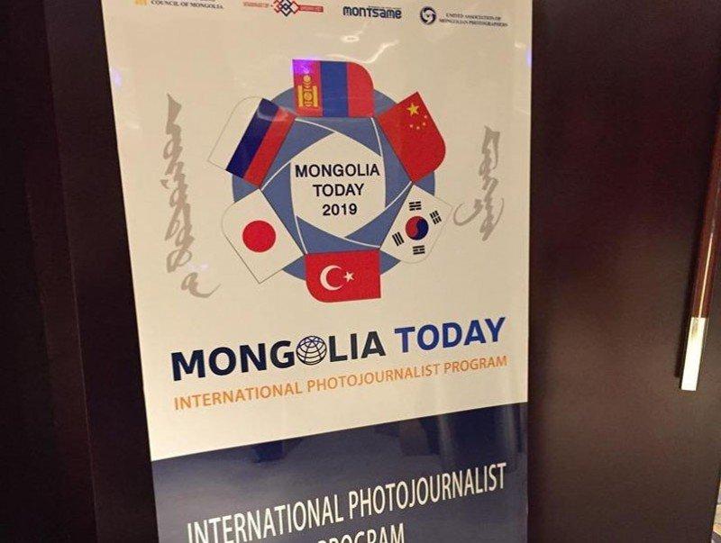 """Хотын Захирагч """"Өнөөдрийн Монгол-2019"""" хөтөлбөрт хамрагдсан гадаадын гэрэл зурагчидтай уулзлаа"""