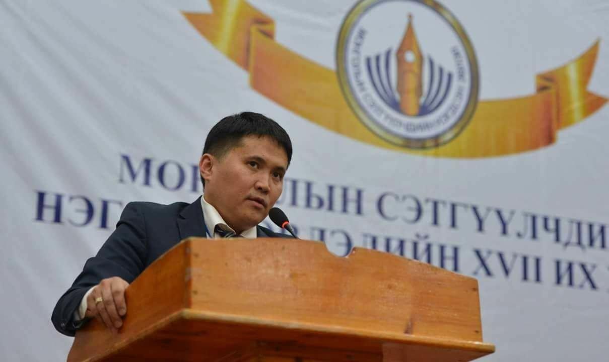Х.Мандахбаярт жолоодуулаад Монголын сэтгүүлчид юу хожив?