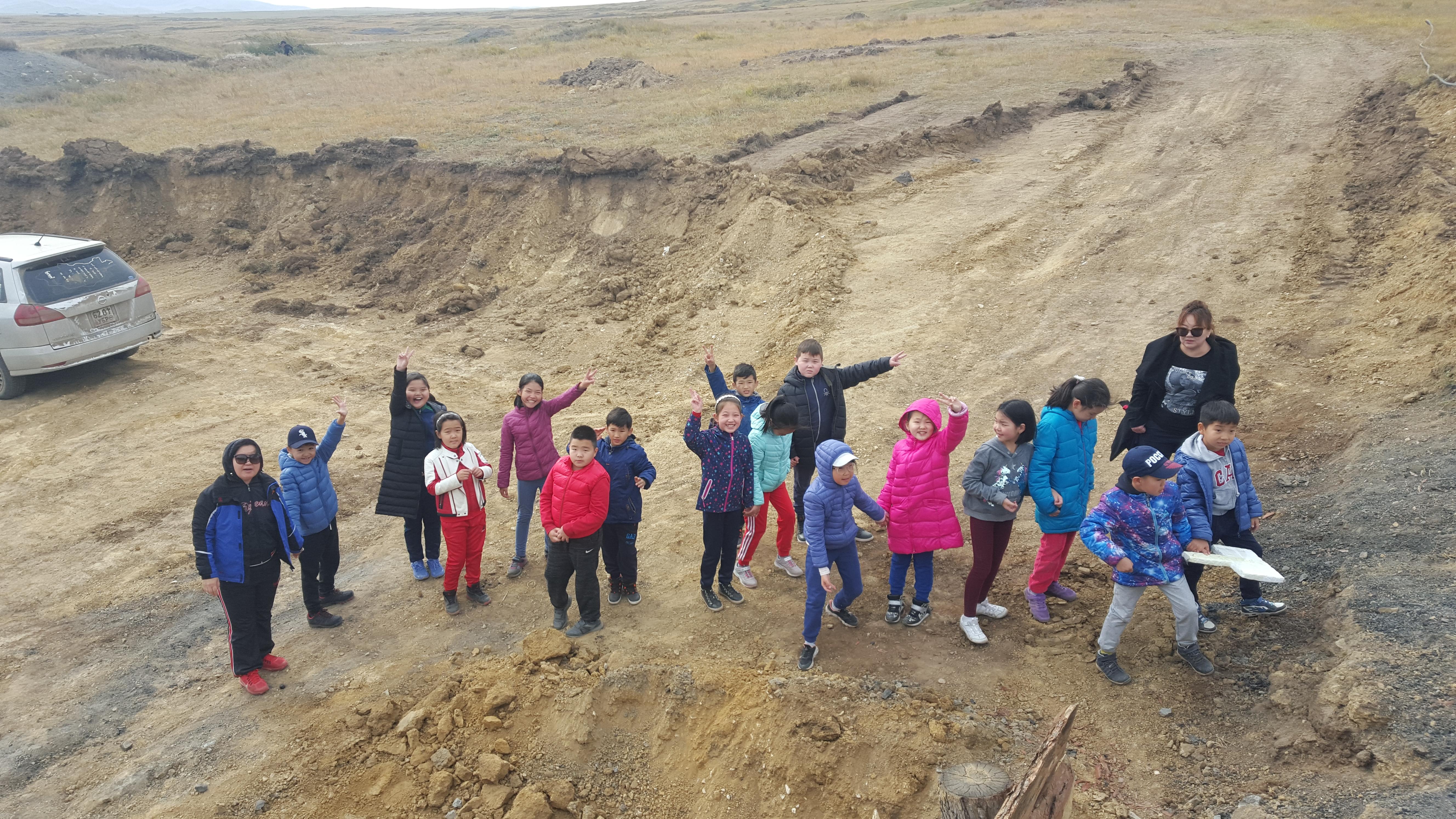 SSM сургуулийн сурагчид Налайх дүүргийн нүүрсний уурхайтай танилцлаа