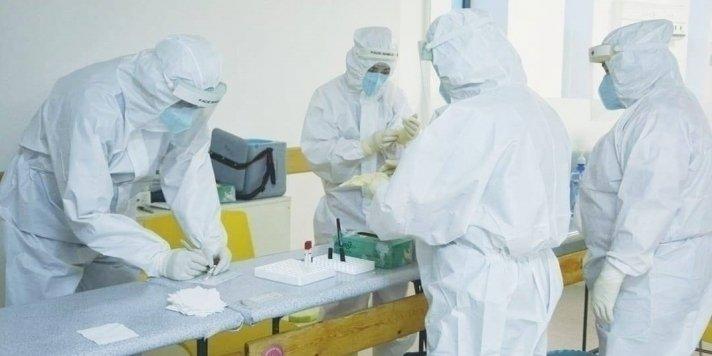 Халдвар авч байгаа 10 хүн тутмын 9 нь бүрэн вакцингүй иргэд байна