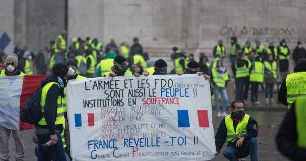 Францын ЗГ шатахууны татварыг өсөлтөө  зургаан сараар хойшлууллаа